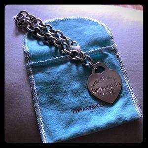 Tiffany & Co. extra large heart link bracelet